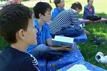 Děti ze Základní školy v Ústí se v úterý učily venku