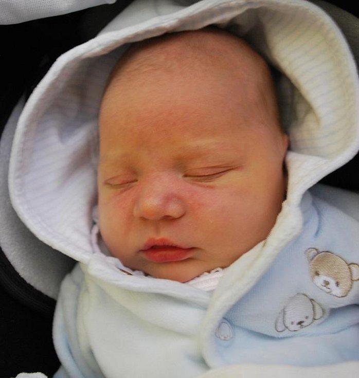 Matouš Beneš, Přerov, narozen 21. května 2011 v Přerově, míra 52 cm, váha 3 860 g