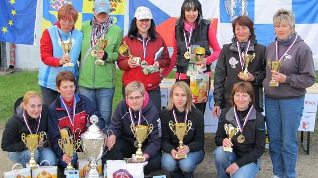 Ženy se utkaly o právo reprezentovat na evropském šampionátu