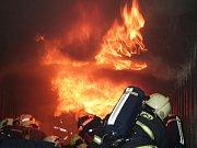 Dobrovolní hasiči se zúčastnili dvanáctihodinového školení.