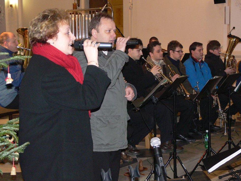 Moravská veselka v hranickém kostele Stětí sv. Jana Křtitele