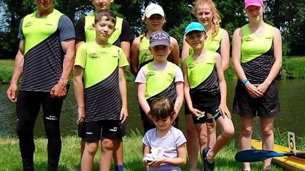 Výprava Klubu vodních sportů Hranice bodovala o víkendu v Kojetíně. Středomoravští závodníci se neztratili mezi komkurencí z Moravy a Slovenska a v konečném zúčtování dovezli domů pět medailí.
