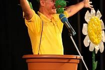 Michal v pořadu dokáže, že bez ohledu na počasí i roční období během představení rozkvete celé jeviště.