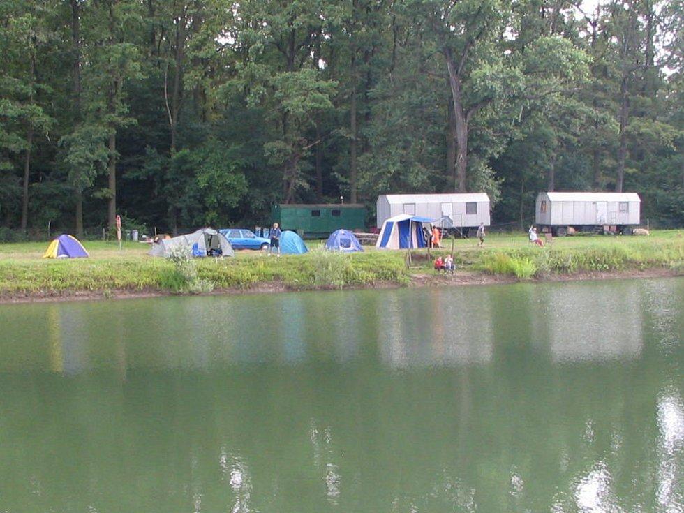Děti z Dětského domova v Lipníku nad Bečvou vyrazily na rybářskou rekreaci.