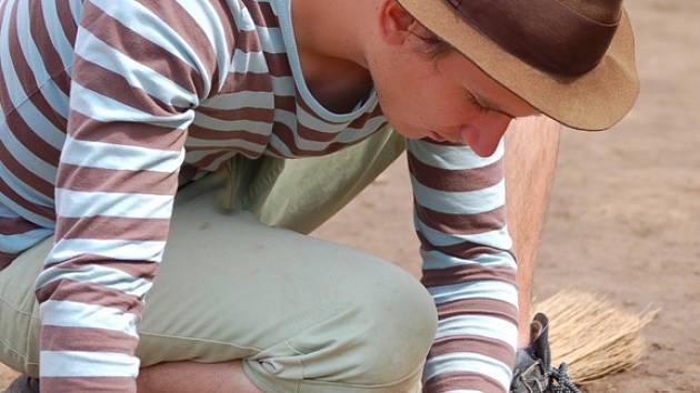 Zajímavé objevy se podařilo nalézt přerovským archeologům na stavbě nového parkoviště na sídlišti Předmostí. Narazili na velkou kolekci artefaktů z mladého paleolitu tedy doby před 26 tisíci lety.