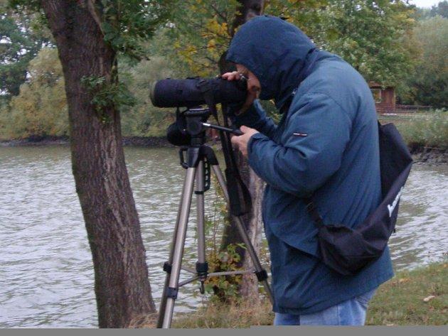 V rámci Světového festivalu ptactva se veřejnost vydala pozorovat ptáky na tovačovské rybníky.