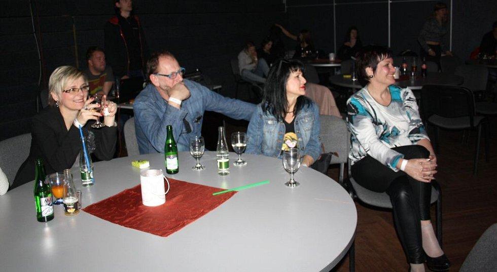 Česko-slovenské seskupení The High Corporation zvedlo ze židle návštěvníky Divadla Staré střelnice