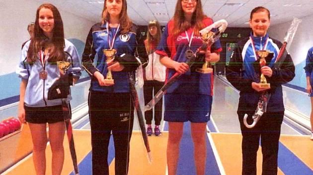 Kuželkářka Dominika Vinklárková z Hranic v Náchodě ovládla soutěž ve sprintu, v němž urvala první místo.