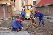 V Kojetíně je nyní před dokončením rekonstrukce Růžové ulice nedaleko kostela, která si vyžádá náklady ve výši 5 milionů korun.