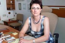 Barbora Šimečková, vedoucí Zbrašovských aragonitových jeskyní ve své kanceláři.