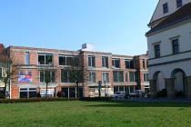Polyfunkční budovu v historické části Hranic někteří představitelé města kritizují