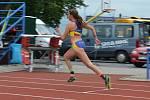 Adéla Dostálová při závodě na 400 m