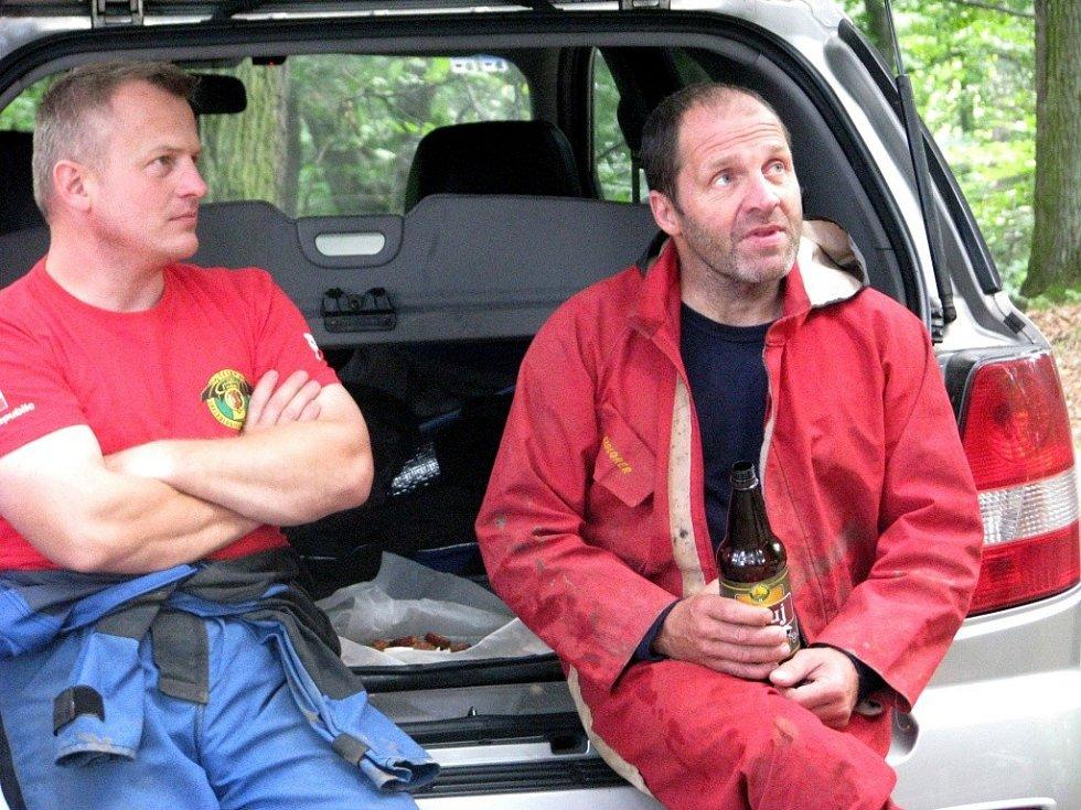 Krzysztof Starnawski (vpravo) se potápěl do Hranické propasti