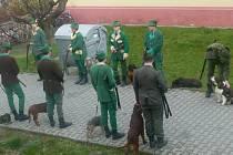 Studenti lesnické školy zvali na Hubertovu zábavu.