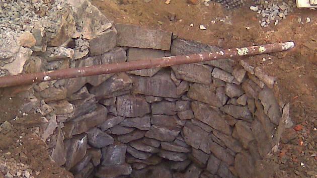 Objev studny z roku 1816 na zámku v Lipníku