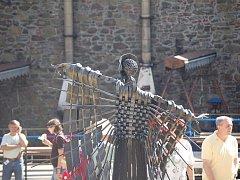 Již po osmadvacáté se sešli kováři z celého světa na hrad Helfštýn.