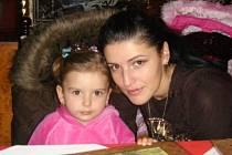 Anna Hubáčková se svojí dcerkou.