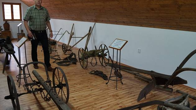 Expozice zemědělské techniky v Bělotíně