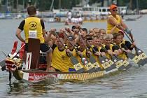 Festivalu dračích lodí se zúčastní nejen týmy z regionu, ale i z Karlových Varů, Liberce, Mladé Boleslavi nebo Příbrami.