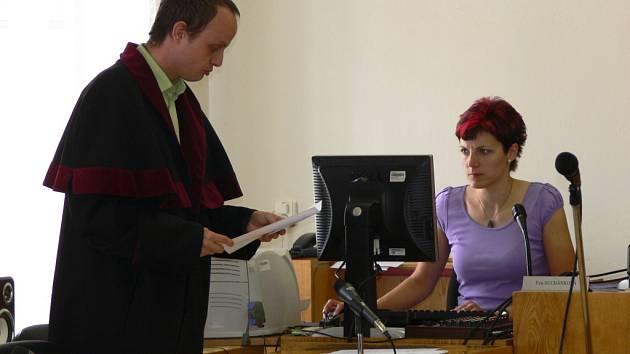 V rámci projektu Soudcovské unie se studenti z Hranic podívali na proces u Okresního soudu v Přerově.
