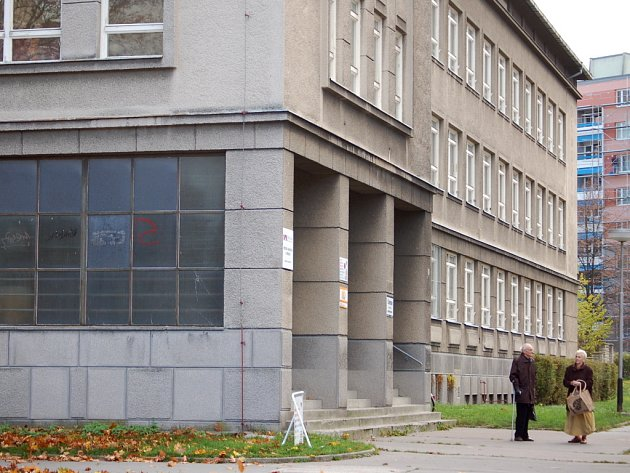Budova v Čechově ulici stále čeká na své využití.