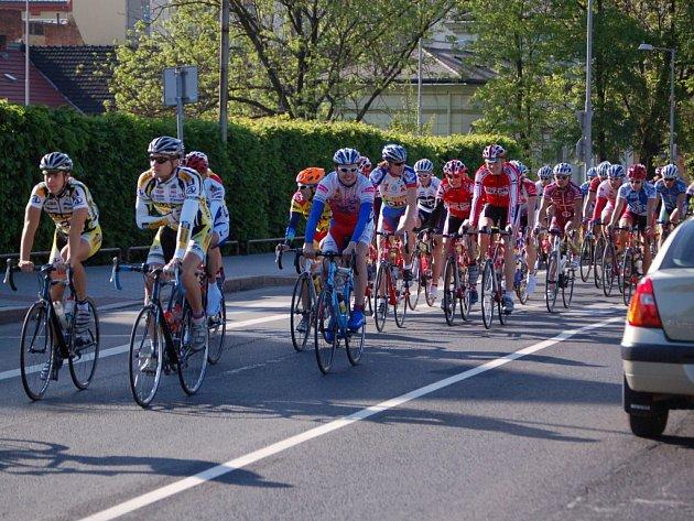 Silničního cyklomaratonu Kelly's Mamut tour-bike se zúčastnilo necelých pět stovek závodníků.