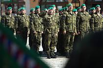 Slavnostní nástup 7.mechanizované brigády AČR v Hranicích při příležitost 25. výročí od svého založení