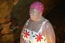 Vernisáž výstavy sochařských děl v teplických jeskyních