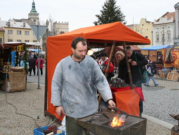 Lipnické náměstí ožilo vánočním jarmarkem.