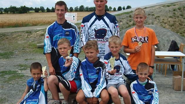 Sedmička hranických jezdců do nedaleké Studénky, kde se jel Volný závod BMX.
