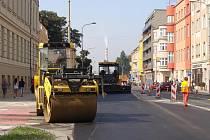 Rekonstrukce parovodu v Komenského ulici v Přerově finišuje s předstihem. Asi třísetmetrový úsek se měl opravovat až do konce září.
