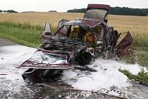 Z havarované Alfy Romeo zůstaly po havárii a následném požáru jen trosky. Nehoda se stala 14. července 2008 na silnici mezi obcemi Pavlovice u Přerova a Kladníky. .