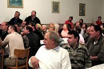 Silně emotivní a vypjatá atmosféra provázela ve středu 30. ledna veřejné shromáždění v příměstské části Přerova Žeravice.