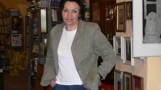 Patricie Juračková ve své galerii.