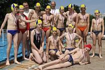 Horní řada zleva: Lasák, Racek, trenér Fojtík, Preget, Holibka, asistent trenéra Holibka, Čagánek, Zapletal, Zatloukal, Redr. Spodní řada: Mohylová, Fojtík, Machala, ležící Svoboda.