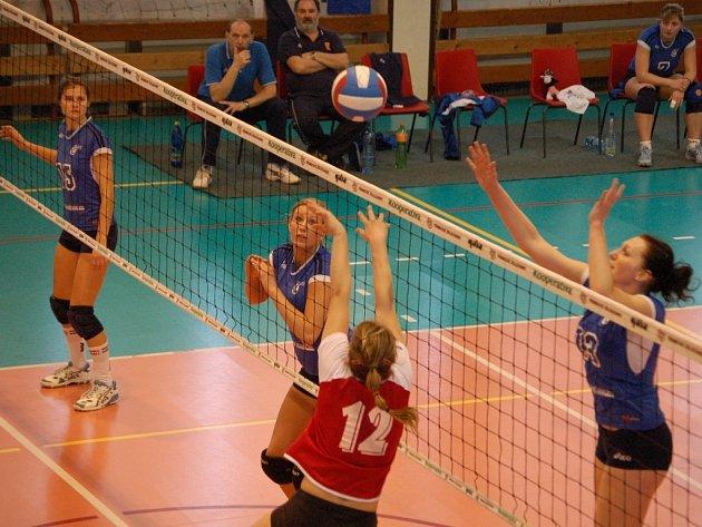 Přerovské juniorky odehrají čtvrtfinálovou sérii na dvě vítězná utkání v Plzni.