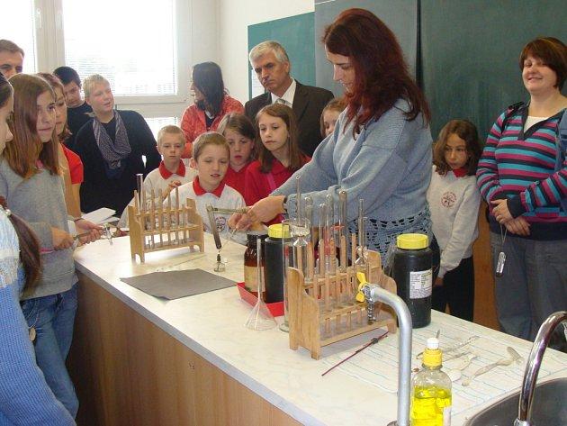 Základní škola Trávník hostila vzácnou návštěvu - delegáty ze tří zahraničních zemí.