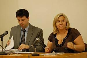 Okresní soud v Přerově se v úterý 27. října znovu zabýval kauzou přerovské exekutorky Jitky Studené, která je obžalovaná ze dvou trestných činů – zneužití pravomoci veřejného činitele a porušení povinnosti v řízení o konkurzu.