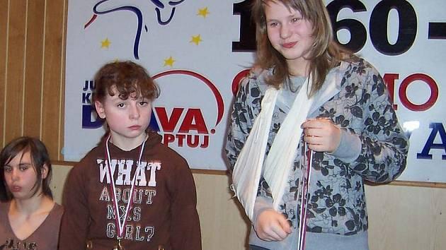 Stříbro pro Kristýnu Dvořákovou (vlevo).
