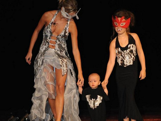 Příjemným zpestřením bylo vystoupení malého devítiměsíčního syna návrhářky Brigity Alexandrose.
