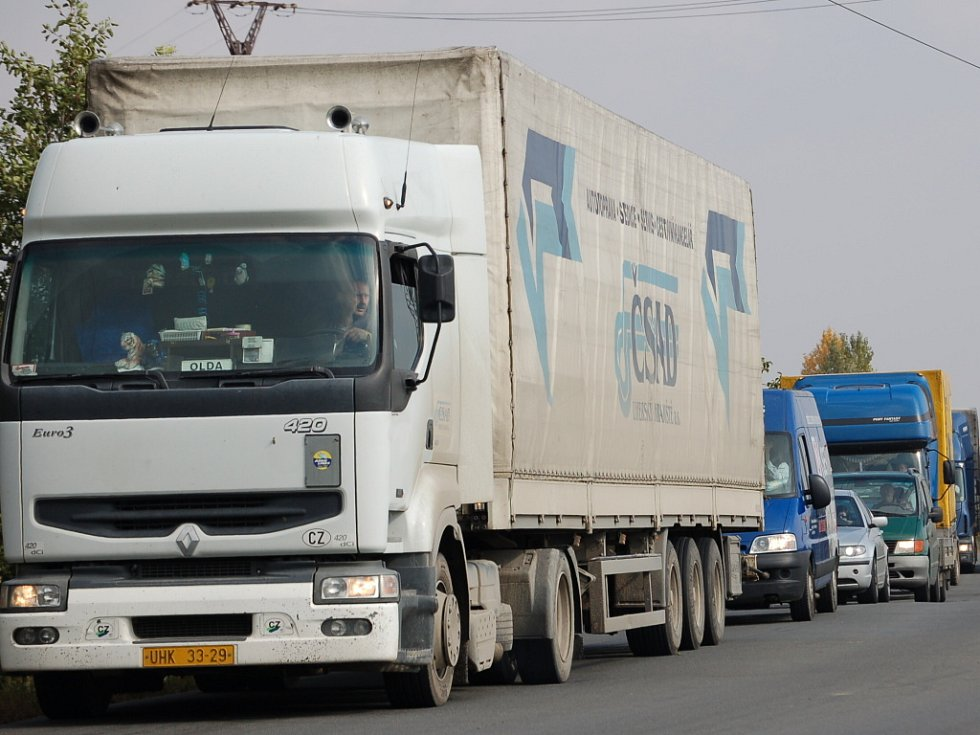 Kamionová doprava. Ilustrační foto