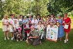 Společenský klub Panenka slavnostně předal panenky dětskému oddělení hranické nemocnice.