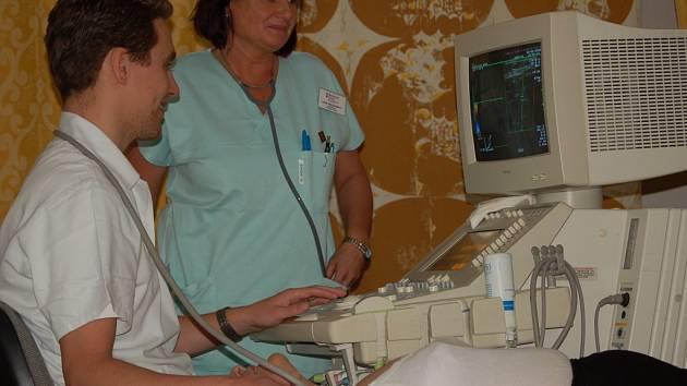 Lidé projevili velký zájem o bezplatné vyšetření krčních a mozkových tepen, které prováděli lékaři v přerovské nemocnici.