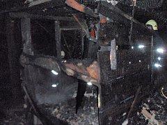 Požár chaty ve Stříteži