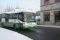 Lidé si nové autobusy v Hranicích pochvalují. Někteří by však o víkendech uvítali daleko více spojů. Podle města však nedávný průzkum ukázal, že víkendový provoz nebyl příliš využívaný.