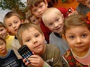Děti zažívají štěstí, když něco podnikají s rodinou či kamarády