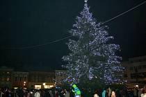 Rozsvícení vánočního stromu a adventní jarmark v Hranicích
