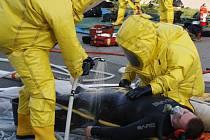 Cvičení likvidace úniku chloru na Plovárně v Hranicích