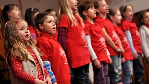 Adventní vystoupení Dětského pěveckého sboru Hranice