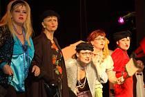 Premiéru hry divadla Dostavník zhlédli diváci v pondělí 23. února  v Městském domě.